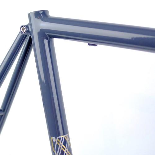 THE SMOOTH ROAD / Greyish Massive 56